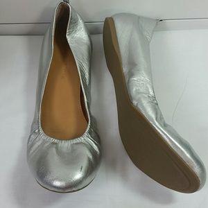 Audrey Brooke silver leather ballet flats. Sz 10
